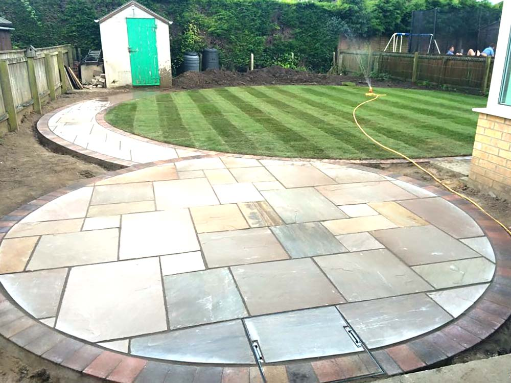 Blocked pave driveways and patios by FairOaks Driveways Ltd